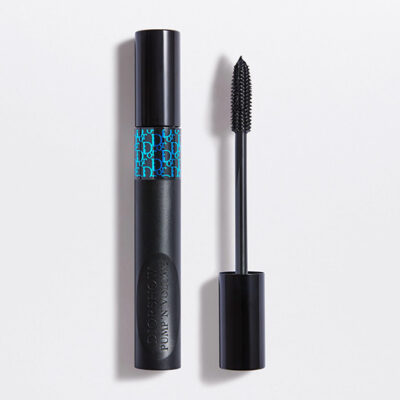 pump n volume waterpoof volumizing mascara 090 black