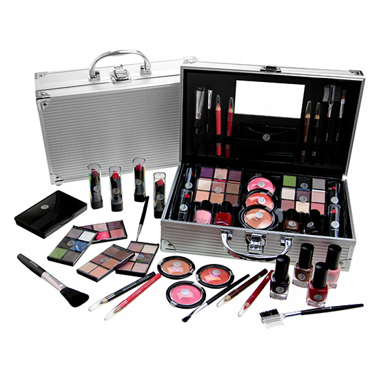 fabulous beauty train case set 66 9g